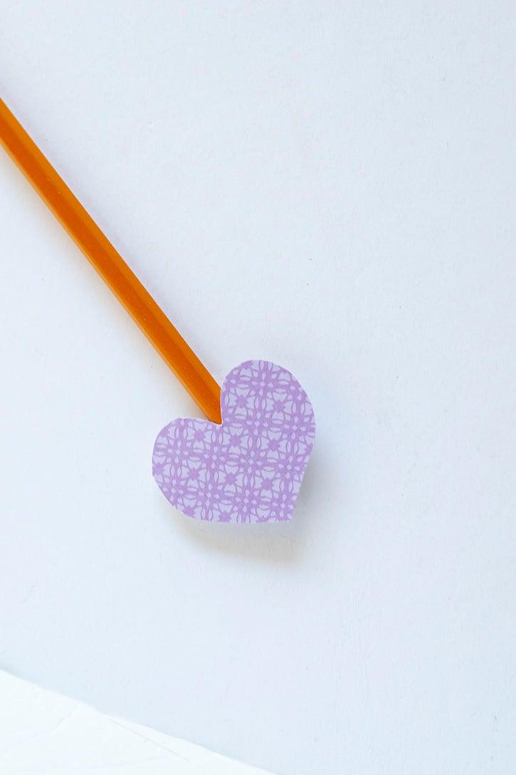 Glue-Dots-Pencil-Arrow-adhere