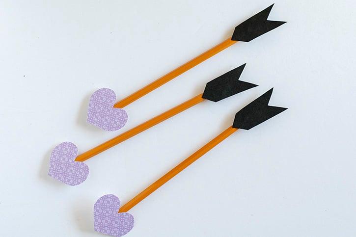 Glue-Dots-Pencil-Arrow-finished