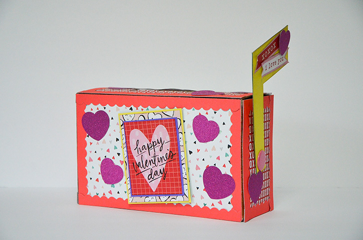 Glue-Dots-valentines-treat-box-feature
