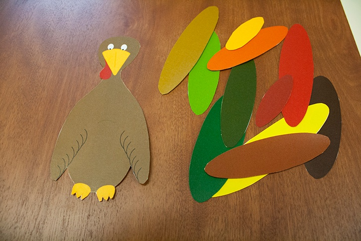 glue-dots-turkey-kids-craft-printable-cut-out.jpg