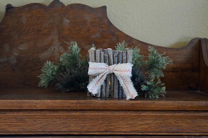 Glue-Dots-Rustic-Candle-Holder-Finished