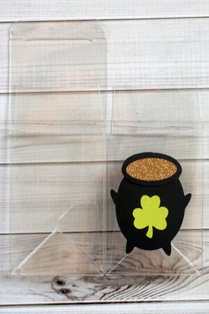 Pot of Gold Treat Box-004