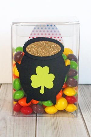 Pot of Gold Treat Box-008