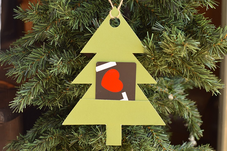 Inspiration and Project Ideas from Glue Dots® | Christmas Gift Tags